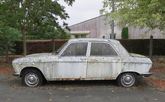 Peugeot 204 (Spottedlaurel) Tags: peugeot 204