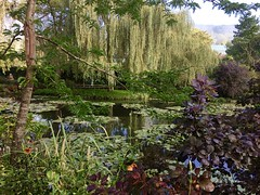 Monet's Garden - Giverny, France (pls47) Tags: pond reflection lillypads fence willowtrees pls47 claudemonet monet giverny france