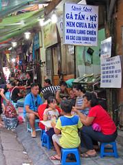 Family meal (Helen M Evans) Tags: vietnam hanoi oldquarter