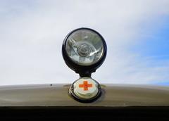 UAZ 452 Ambulanz 3.9.2016 3526 (orangevolvobusdriver4u) Tags: sovietunion sowjetunion russland russia 2016 archiv2016 deutschland germany ddr gdr eastgermany magdeburg ommma ommma2016 klassik classic oldtimer vintage car auto armee army ambulance ambulanz krankenwagen uaz 452 uaz452 van detail zeichen logo badge brand