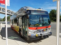 The first New Flyer to be assigned to Four Mile Run (robbieraeful) Tags: washingtonmetropolitanareatransitauthority newflyer newflyerindustries metrobus cng cngbuses cngfuel cngbus compressednaturalgas