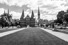 Lbeck - Holstentor (superbart77) Tags: architecture blackandwhite city clouds holstentor tor citygate gate historiccitycenter oldtown pass lbeck