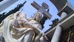 Mausoleo (David_Fernando) Tags: medelln colombia urban development socialproject colombiano