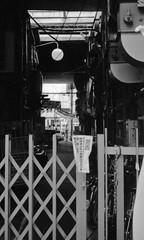 (a chamber) (Dinasty_Oomae) Tags: minolta  minoltina  minoltinas s   tokyo   monochrome outdoor street bw blackwhite blackandwhite  taitoku  ueno