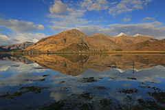 Loch Duich Reflections. (Gordie Broon.) Tags: seascape mountains seaweed nature clouds reflections landscape photography scotland scenery alba five scenic may escocia schottland ecosse 1740l fivesisters invernessshire kintail snowcappedmountains scottishhighlands ratagan lochduich sealoch 2013 shielbridge gordiebroon scottishwesternhighlands canon5dmklll