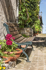Have some rest (Leonardo Del Prete) Tags: flowers italy bench riposo rest fiori marche panchina novilara