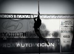 Silhoutte... (@ntop@r) Tags: woman silhouette sport pose mujer pole deporte gym barra poledance figura polers