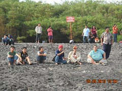 Voltage di Pantai Cemara 6 (onkytom) Tags: community volunteer voltage pmi socialmedia
