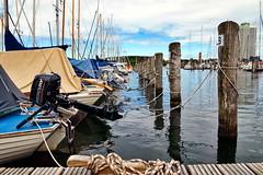 fest vertaut (Smo42) Tags: hafen schiffe segel motor yacht wasser seil kai travemnde knoten wolken sonya58 sal1650