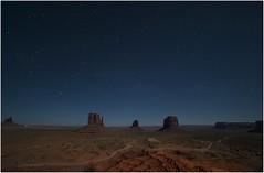 Monument Valley 0017 (Ezcurdia) Tags: monumentvalley utah arizona usa eeuu navajo tsebiindisgaii limolita navajotrivalpark johnfordpoint