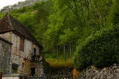 Autoire (vieubab) Tags: maison arbres atmosphre bois village verdure saveearth sonyflickraward sony lot paysage architecture