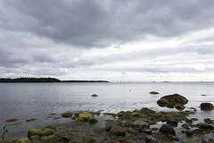 Lauttasaari (jannaheli) Tags: suomi finland lauttasaari nikond7200 pilvist clouds luonto nature kallio rock meri ocean landscape taivas sky taivaanranta horizon syksy fall autumn