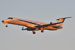 N286SJ (Rich Snyder--Jetarazzi Photography) Tags: intelairshuttle embraer erj145xr e145 n286sj landing arriving arrival normanymineta sanjoseinternationalairport sjc ksjc sanjose california ca airplane airliner aircraft jet plane jetliner regionaljet rj corporate private charter