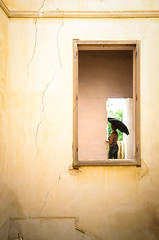 Donna con parasole (luce_eee) Tags: umbrella window italy woman windows sicily painting womanwithparasol parasol