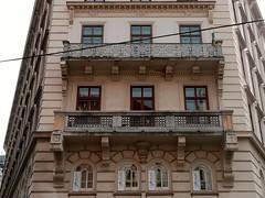 Vienne, Autriche (Marie-Hlne Cingal) Tags: autriche vienne wien vienna sterreich balcons balconies fer iron