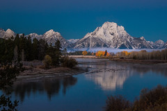 Oxbow Before Dawn (Wycpl) Tags: grandtetonnationalpark mountmoran oxbowbend wyoming morning dawn water geese reflections fallcolors trees morningmist