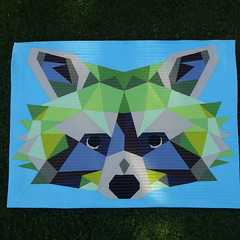161_Bandit (PiecedByPeace) Tags: piecedbypeace english quilt quilting quilts quilted fabric colourful colorful patchwork modern handmade modernquilt fabricart colorfulquilt colourfulquilt germany quiltsingermany quilteringermany deutschland quiltingindeutschland wallhanging wallquilt quiltedwallhanging quiltedwallquilt miniature miniaturequilt