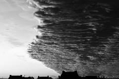 Barrire de nuages (Celphea) Tags: paysage ciel nuages levdesoleil cielmagique roscoff finistre bretagne