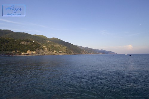 """Cinque terre - Monterosso al mare • <a style=""""font-size:0.8em;"""" href=""""http://www.flickr.com/photos/104879414@N07/30159491771/"""" target=""""_blank"""">View on Flickr</a>"""