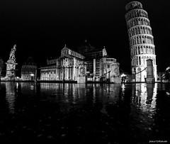 283#365 Miracoli della pioggia (Fabio75Photo) Tags: pisa miracoli piazza riflessi pioggia black bianco nero white torre pendente battistero duome