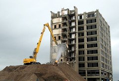 Coming Down. (Flyingpast) Tags: urban plant architecture scotland waterfront dundee scottish demolition machinery 1970s development tayside citycentre rubble heavyplant taysidehouse safedem highreachdemolition wb2000 tl350