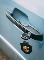 Turn in (e.m.alder) Tags: porsche 944 blue key fob detail automotive vehicle car classic vintage sportscar driving petrol
