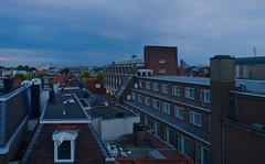 Over the rooftops (Skylark92) Tags: netherlands nederland holland amsterdam centre centrum dusk schemer rooftops city bijenkorf parking