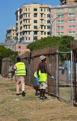 Kennedy21 (Genova citt digitale) Tags: richiedenti asilo genova piazzale kennedy agosto 2016 volontari nigeria lavoro ilva