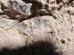 """Le désert d'Atacama: la caverne de sel de la Valle de la Luna. Il s'agit bien de sel, recouvert de sable et de poussière. <a style=""""margin-left:10px; font-size:0.8em;"""" href=""""http://www.flickr.com/photos/127723101@N04/29121235852/"""" target=""""_blank"""">@flickr</a>"""