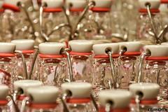 Wek als je Wakker bent (About Pixels) Tags: 0910 2016 aboutpixels herfstseizoen mnd09 nl nederland netherlands southholland voorneputten zuidholland bottle collecties eten fles flesje food september wekfles brielle voorstraat