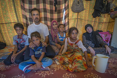 Hardship in the Desert_232 (EU Humanitarian Aid and Civil Protection) Tags: iraq fallujah anbar water family nrc norwegianrefugeecouncil children desert