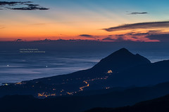 Sunrise Mt.Wufen, Taiwan _IMG_6199 (Len) Tags: 1635lii 6d 757m blackcard cpl ef1635mmf28liiusm landscape mountain mtkeelung newtaipeicity rueifang ruifang sky steamfog taipei taiwan wufen wufenshan clouds dawn dawning daybreaking dayspring daybreak daylight fog sunrise
