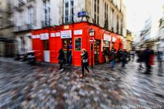 Zoom on Red (Magic Brix) Tags: quartiere zoom donna concorso rosso ragazza francia parigi bar concorsi zooming candidata strada