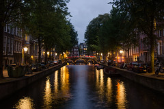 Lights on (ShurperMario) Tags: amsterdam netherlands holland holanda canales canals gracht keizersgracht water agua lights city capital ciudad night nikon d5100 1224