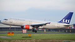 """""""Jon Viking"""" SAS Scandinavian Airline System OY-KAL Airbus A320-232 cn/2883 @ Kaagbaan EHAM / AMS 08-06-2016 (Nabil Molinari Photography) Tags: jonviking sas scandinavian airline system oykal airbus a320232 cn2883 kaagbaan eham ams 08062016"""