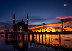 Mesjid Amirul Mukminin ... at Makassar (Jose Hamra Images) Tags: makassar mesjid mosque indonesia sunset sunrise city cityscape sulawesi landscape longexposure