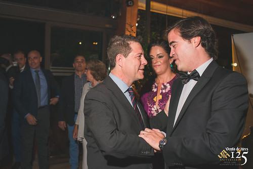 Emiliano García Page, presidente de Castilla-La Mancha y Toño Constantino de Creativia Marketing. Miriam Galiano, periodista. Restaurante Venta de Aires de Toledo