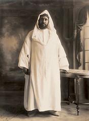 Portrait du Sultan Moulay Abdelhafid en France, 1914 (Benbouzid) Tags: moulay abdelhafid   royaume cherifien alaouite mohammed     morocco maroc roi