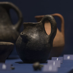 Guttus (spouted jug) from Tomb 55 at Via Madonna delle Grazie, Stabiae (diffendale) Tags: italy italia guttus 6thcbce pleiades:findspot=433128 stabiae archaic museum museo muse   archaeological archeologico artifact display exhibit arkeoloji mzesi ancient antico tomb tomba grave burial human necropolis cemetery tombe tombeau spulture grab tumba sepultura