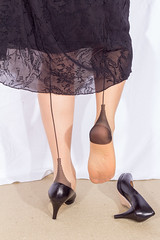 20140104_11_39_51_00009.jpg (pantyhosestrumpfhose) Tags: pantyhose pantyhosefeet strumpfhose bestrumpftebeine nylon nylonlegs tights sheers shoe legs feet schuhe toe pantyhoselegs