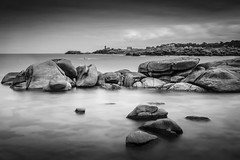 Dark Rocks #explore (Fabien Georget (fg photographe)) Tags: trgastel menruz phare ocean mer lighthouse sea longexposure landscape paysage water sky ploumanach ayezloeil beautifulearth bigfave canoneos600d canon elitephotography elmundopormontera eos fabiengeorget fabien fgphotographe flickr flickrdepot flickrunited georget geotagged flickunited longue mordudephoto nature paysages perfectphotograph perfectpictures wondersofnature wonders supershot supershotaward theworldthroughmyeyes shot poselongue photography photo greatphotographer french monument perrosguirec bluehour bretagne britanny granit noiretblanc seascape rocks sunset dark slowshutter blackandwhite monochrome eau extrieur exposure long wow
