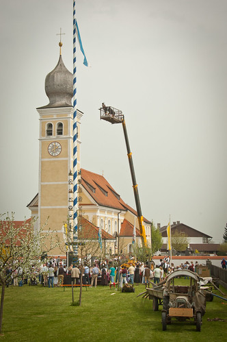 Maypole in Götting 2013 #16