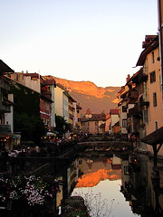 Channel, Annecy (G.F.S) Tags: sunset mountain lake france mountains annecy alpes river lac francia freshwater hautesavoie