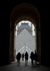 Entrance (jbspeed996) Tags: travel paris museum t scenery europe pyramid louvre musee 24 za lenses sonnar carlzeiss