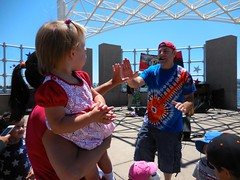 (a2z productions) Tags: andyz andyland childrensmusic kidsconcert musicandmovement 4thofjuly leojryanpark fostercity independenceday highfive