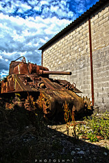 Fron rust to dust (photoshot1993) Tags: sony alpha 65 sigma 17 50 2 8 ex hsm tank usa us united states war wwii hdr high dynamic range bordeaux rust old vehicle army