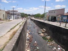 Esgoto e resíduos - Cachoeira