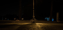 Bike at night (Nago Iturbe) Tags: forum ruedas sombra bw blackandwhite night farola roma street bike bicicleta