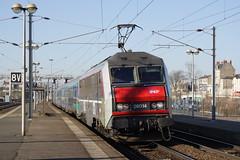 20080209 007 Nevers. 26014 'DOLE' Arrives With Corail Teoz Train 5963, 14.04 Paris Lyon - Clermont Ferrand (15038) Tags: railways trains sncf france bb26000 electric locomotive nevers 26014 dole