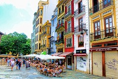 Valencia - La piazza (*Sefora*) Tags: piazza valencia spagna bar painting fotosketcher photopainting pittura dipinto